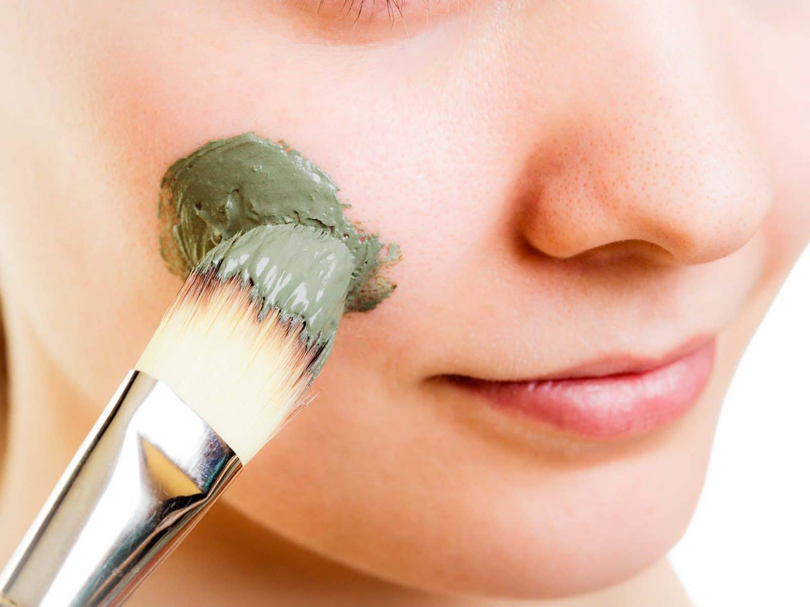 Why Natural Acne Treatments Are Better For You